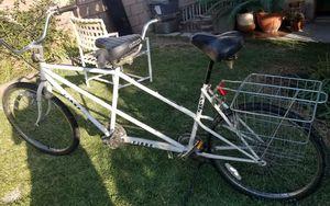 FIORE TANDEM BIKE ☆☆☆ BIKE RACK NOT INCLUDED☆☆☆ for Sale in Pico Rivera, CA