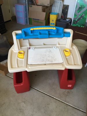Kids desk table for Sale in Brentwood, CA