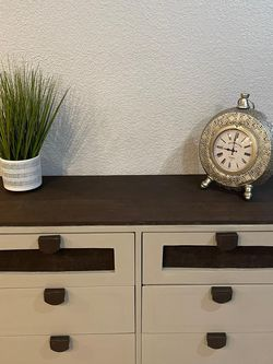 Word And Burlap Dresser for Sale in Sacramento,  CA