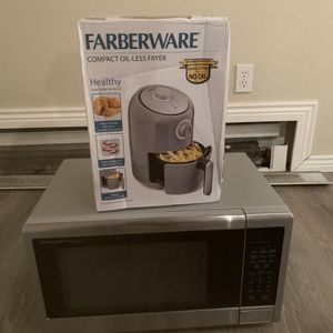 Air Fryer And Microwave for Sale in Evergreen, CO