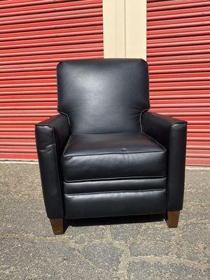 Black modern recliner for Sale in Bakersfield, CA