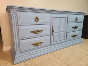 Coventry blue Dresser for Sale in North Las Vegas, NV