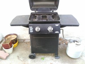 Brinkman 2 Burner Propane GasGrill Black BBQ with tank Used only twice for Sale in Los Angeles, CA