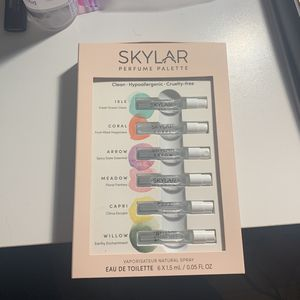 Skylar Parfume pallet for Sale in Caledonia, NY