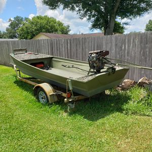 Lowes Duck and Fishing Boat for Sale in Auburndale, FL