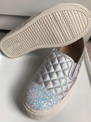 Girls slip on shoes Size 2 (Youth) for Sale in Alexandria, VA