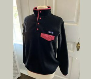 Patagonia Women's Black and Fuschia Synchilla Snap Pullover Size Medium for Sale in Germantown, MD