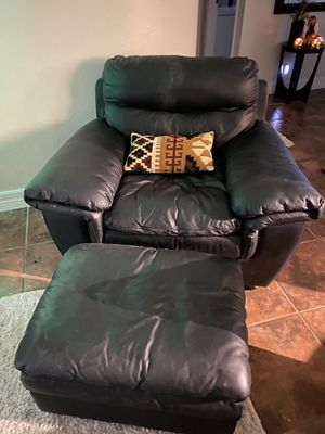 Leather chair and ottoman for Sale in Orlando, FL