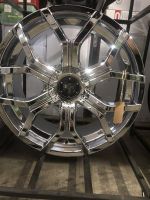 BRAND NEW set (4) Chrome 22 inch Dub Royalty rims for only $1400!!! for Sale in Joint Base Lewis-McChord, WA
