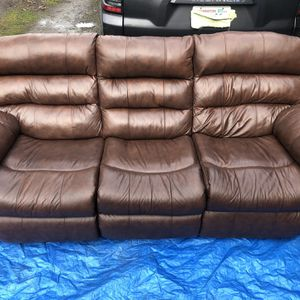 Leather Couch With 2 Recliners Seats 3 Full Size for Sale in Sumner, WA