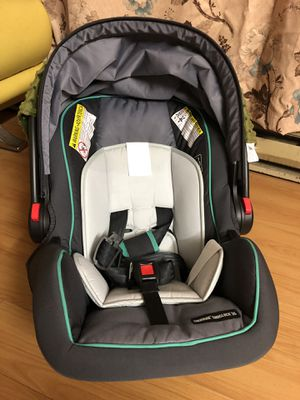 Graco SnugRide SnugLock 35 Infant Car Seat with Adjustable Base (Lake) for Sale in Bellevue, WA