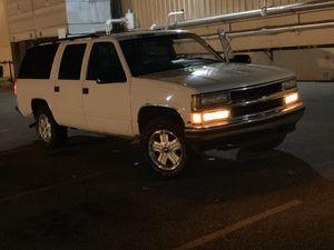 1999 Chevy suburban for Sale in Eastpointe, MI