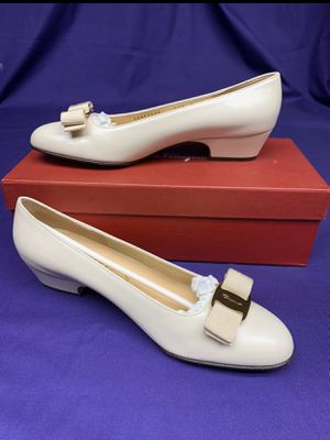 Salvatore Ferragamo Shoes size 8 for Sale in Louisville, KY