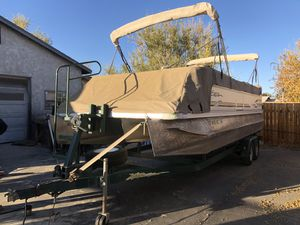 Pontoon boat 26' party boat for Sale in Hesperia, CA
