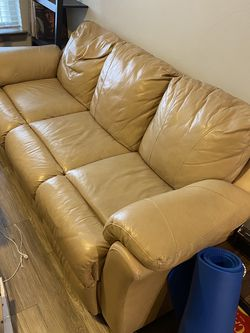 Leather Double Recliner Couch Fair Condition for Sale in Round Rock,  TX