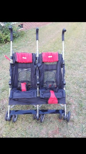 reclining double stroller for Sale in Greenville, SC