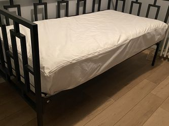 Double Twin Daybed for Sale in Brooklyn,  NY
