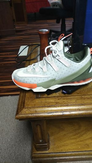 LeBron 17 lowtops for Sale in Raytown, MO