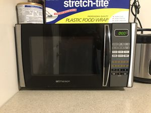 Emerson Microwave for Sale in Garden Grove, CA