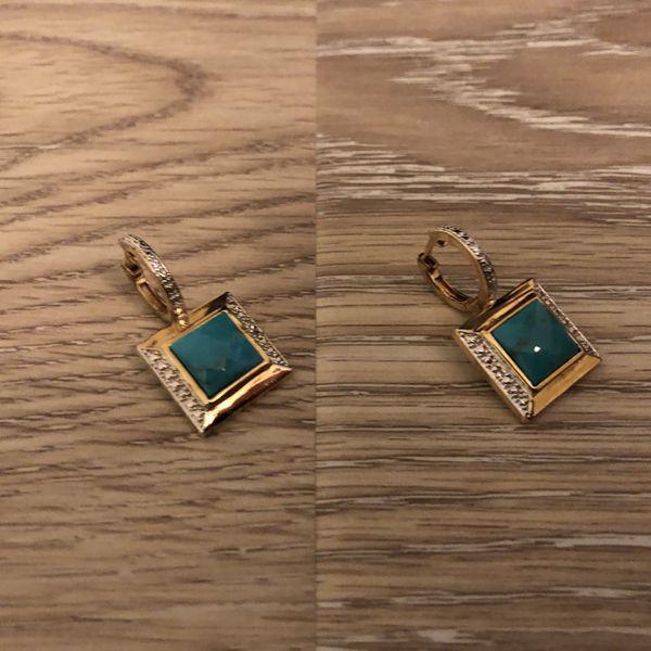 Fashion jewelry emeralds.