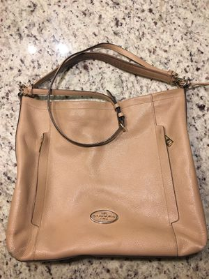 Coach Large Scout Hobo in Pebble Leather for Sale in Washington, DC