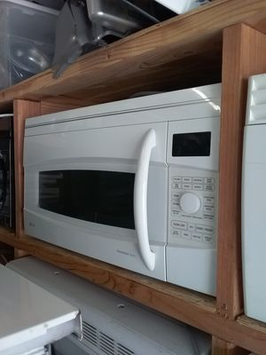 White ge profile over the range convection microwave bracket and screws included in excellent working condition for Sale in Kissimmee, FL