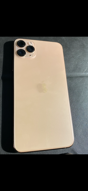 Iphone 11 pro max for Sale in Kissimmee, FL