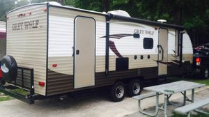 2016 23DBH Cherokee Grey Wolf Limited Travel Trailer for Sale in Miami, FL