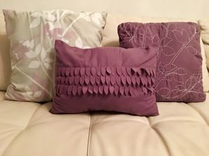 Accent / Throw Pillows for Sale in Chicago, IL