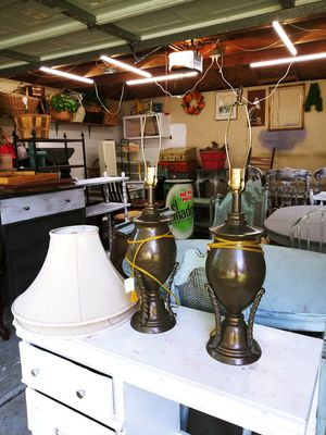 Beautiful Lamp Pair. NO SHADES! for Sale in Joliet, IL