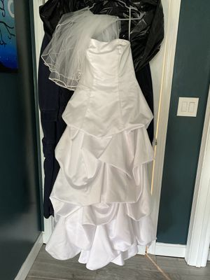 """Beautiful """"cupcake"""" wedding dress for Sale in Chelmsford, MA"""