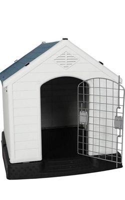 Plastic Dog House-small for Sale in Rancho Cucamonga,  CA