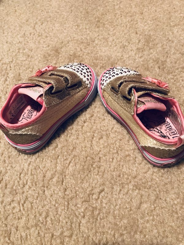 8d3199e6c1 SKECHERS LIGHTS UP SNEAKER For Toddler for Sale in Florence, KY ...