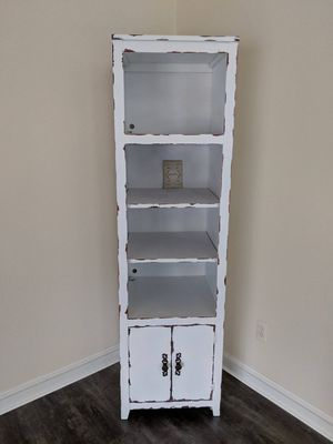 Pair of distressed bookcase towers for Sale in Jackson, NJ