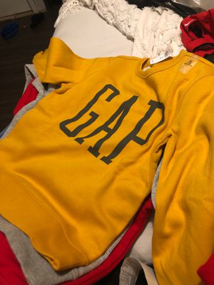 Gap sweater size 12 for Sale in Los Angeles, CA