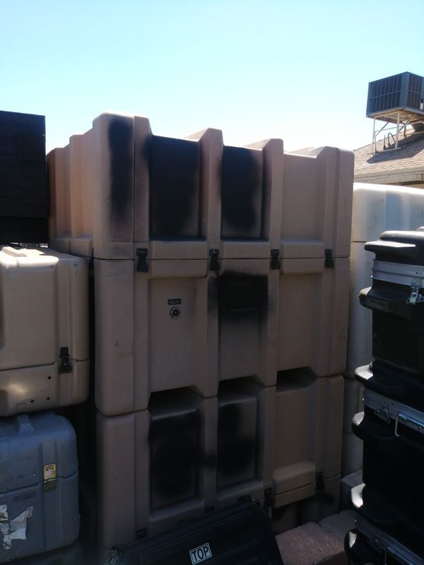 Large Tan Zero Shipping and Storage Case with Forklift Wells