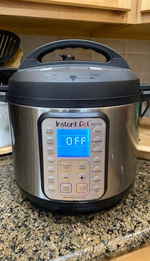 Instant pot 6 quart 9 in 1 for Sale in Bonney Lake, WA