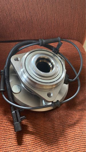 Jeep jk front wheel bearing for Sale in Salem, OR