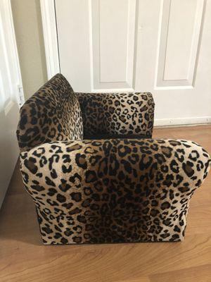 Luxury Dog Couch for Sale in Westminster, CO