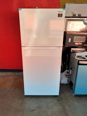 New Samsung Refrigerator 18 Cubic Feet for Sale in Long Beach, CA