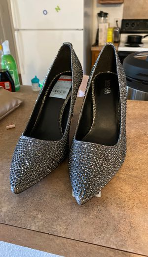 Michael Kors Silver Heels Size 7 for Sale in DeSoto, TX