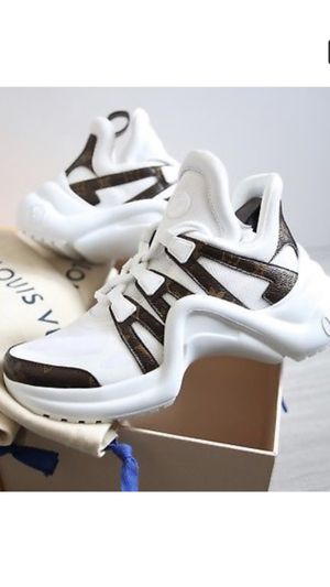 Louis Vuitton Archlight sneaker size men 10 for Sale in Greenbelt, MD