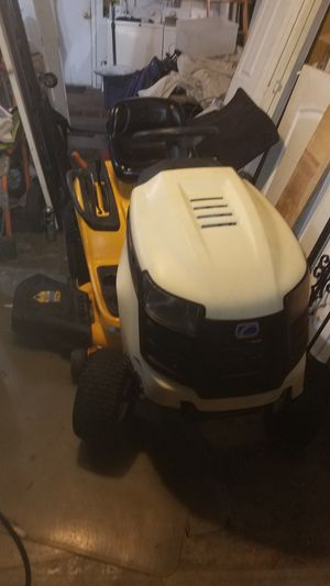 CUB CADET TRACTOR MOWER for Sale in Palm Harbor, FL