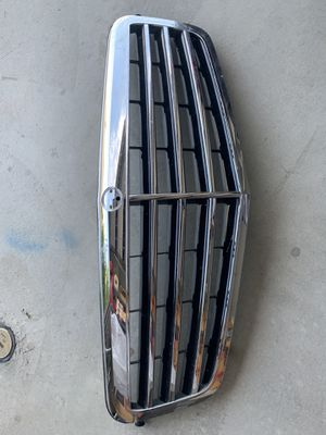Mercedes Benz E350 Front Grille (OBO) for Sale in Riverside, CA