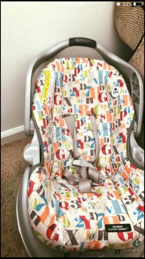 Unisex Car seat with base for Sale in Washington, DC