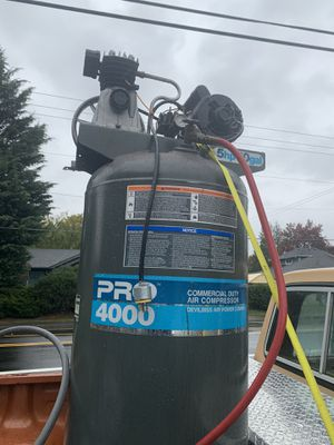 5hp 60 gal air compressor for Sale in Vancouver, WA