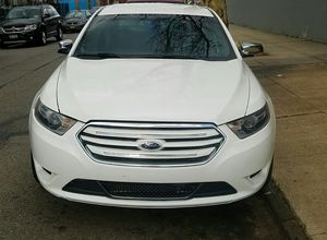 2013 Ford Taurus 4wd with 21k miles for Sale in Brooklyn, NY