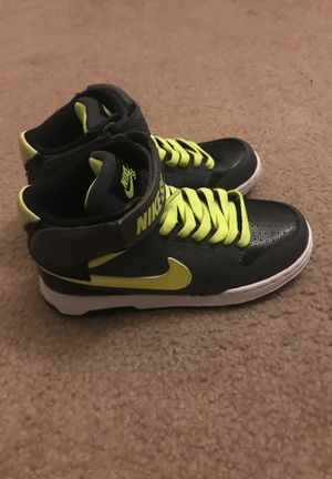 Brand new green and grey shoes for Sale in San Ramon, CA