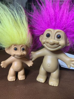 Troll Dolls Russ 1990 pink hair troll and yellow hair troll for Sale in Conshohocken, PA