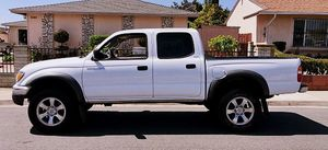 VERY COMFORTABLE TOYOTA TACOMA 2003 for Sale in Columbus, OH